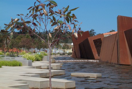 Melbourne Celebrant | Meriki Comito | Cranbourne Botanical Gardens Wedding