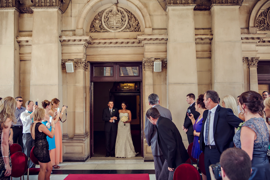 Melbourne Celebrant | Meriki Comito | Melbourne Town Hall Wedding | Photo by www.lenstolife.com.au
