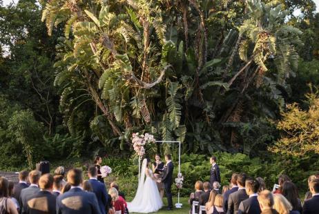 Garden Weddings with Melbourne Marriage Celebrant Meriki Comito