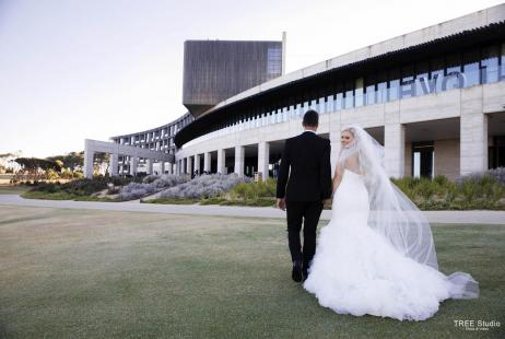 Beach Wedding at RACV Torquay Resort