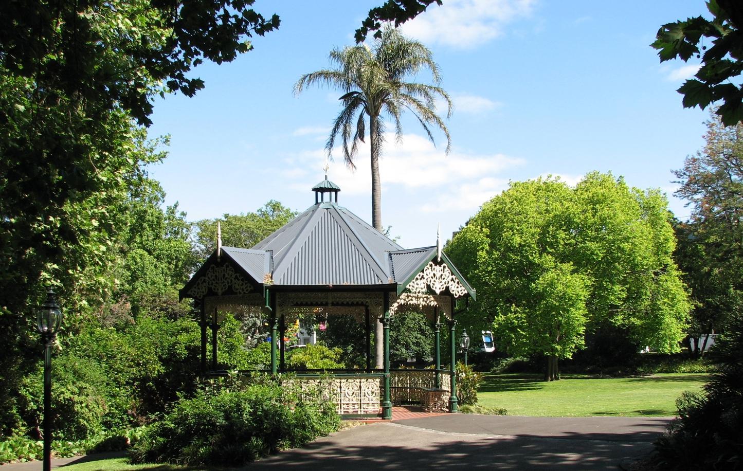 Alexandra Gardens rotunda + wedding ceremony location