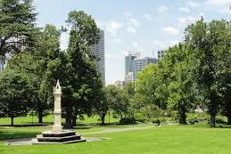 Getting married in the Flagstaff gardens with Melbourne Marriage Celebrant Meriki Comito